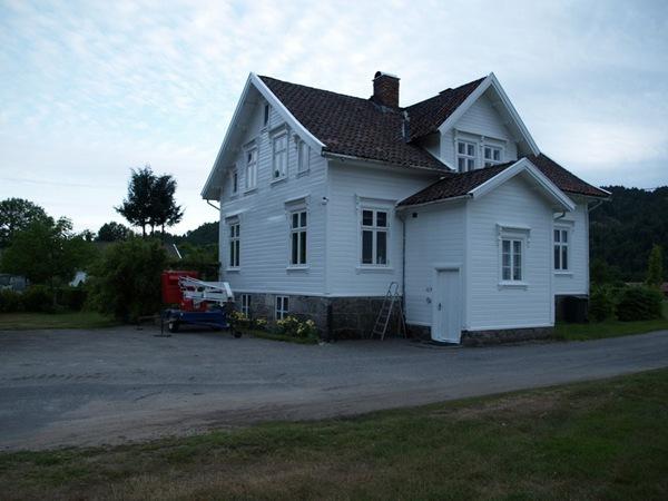 2010-07-09 Nymalt hus (1)