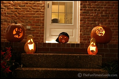 lighted_pumpkins_on_porch_step