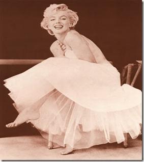 130-144~Marilyn-Monroe-Posters[1]