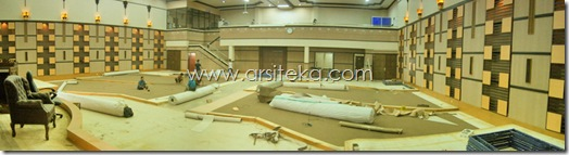 Proses pasang karpet - Arsiteka (Ruang Sidang Paripurna DPRD Kabupaten Malang)
