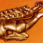 Скифская золотая пряжка в форме оленя