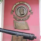 Памятная доска перед входом в музей Одесского морского порта