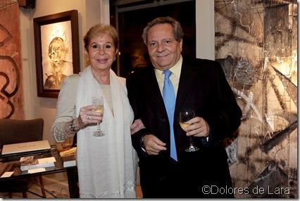 El periodista Julio César y la actriz Lina Morgan