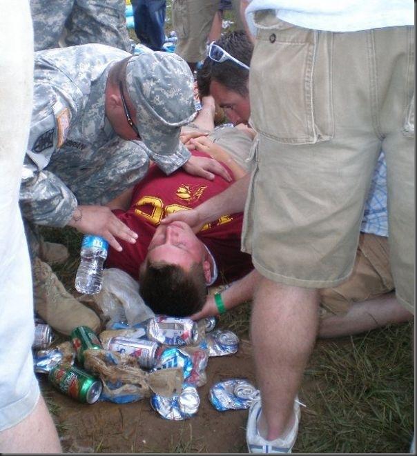 Pessoas totalmente embriagadas em eventos (8)