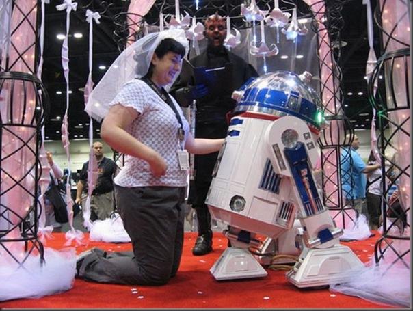 Mulher se casa com um robô (8)