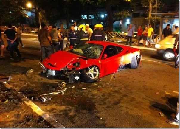 Ferrari bate 4