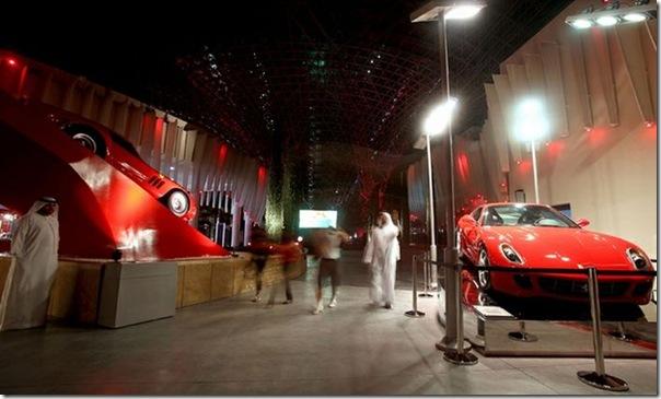 Ferrari World Abu Dhabi nos Emirados Árabes (11)