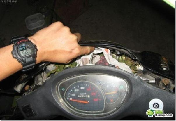 Uma surpresa na moto (1)