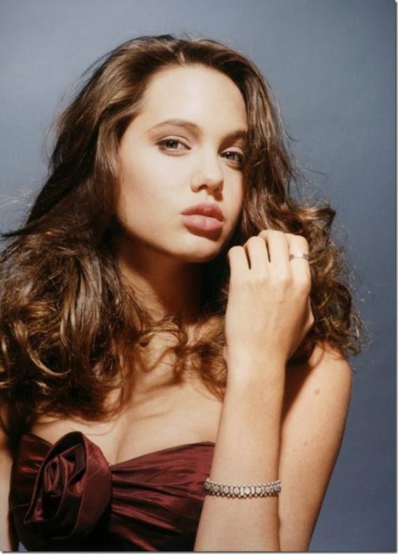 A jovem Angelina Jolie (27)