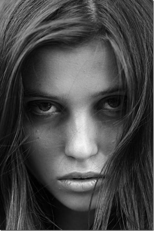 Belíssimos retratos de garotas em preto e branco (2)