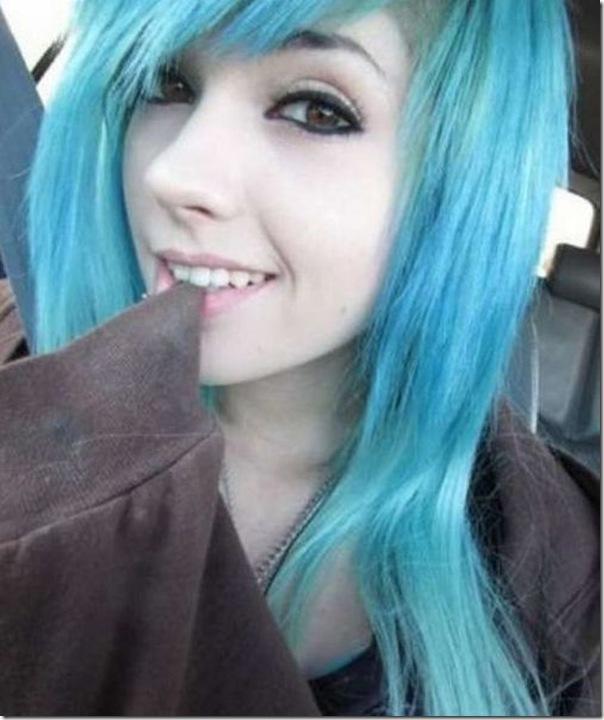 Garotas com cabelos coloridos