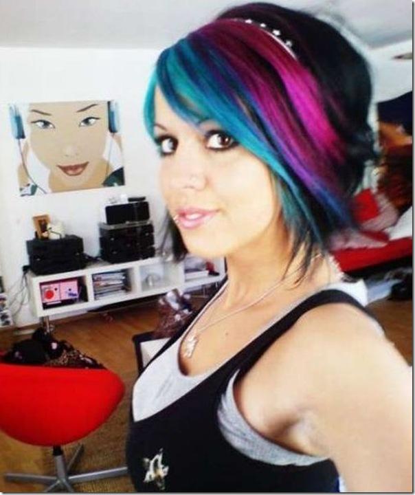 Garotas com cabelos coloridos (2)