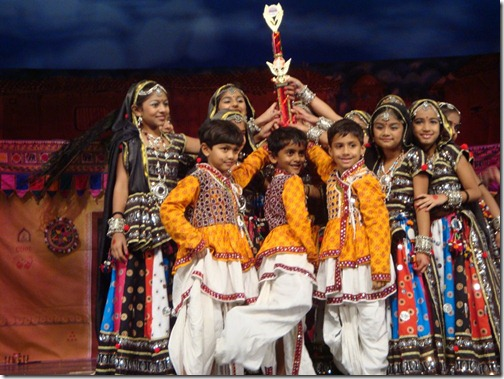Talent-Show-2009-award02