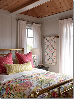 sarahs-cottage-guestroom-east-image1