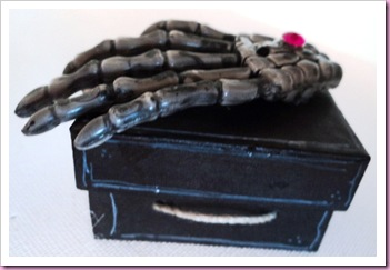 Halloween Scary Skeleton Hand Favor Box