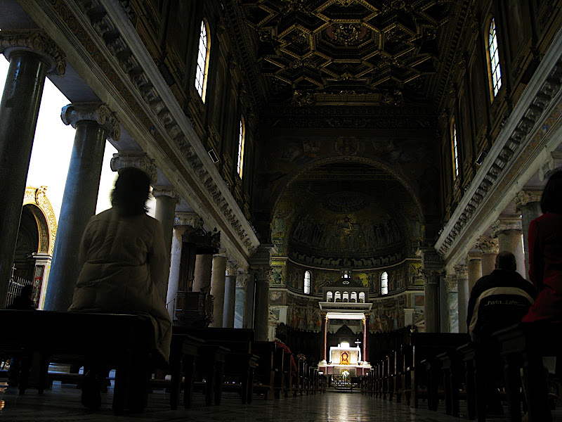 Interior de Santa Maria in Trastevere