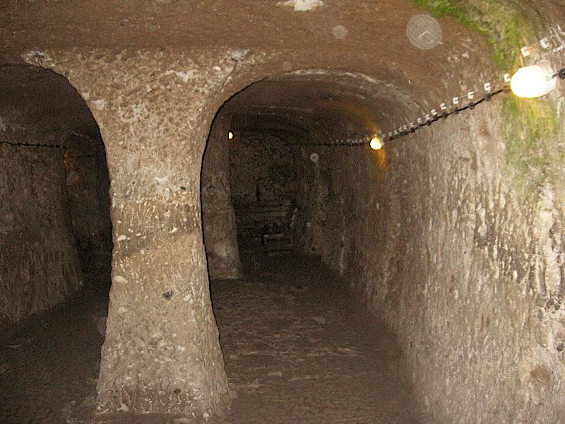 Derinkuyu: la ciutat subterrània (II)