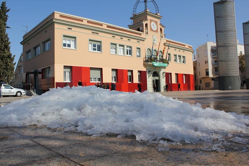 El dia després de la nevada: Plaça de la Vila de Gramenet II