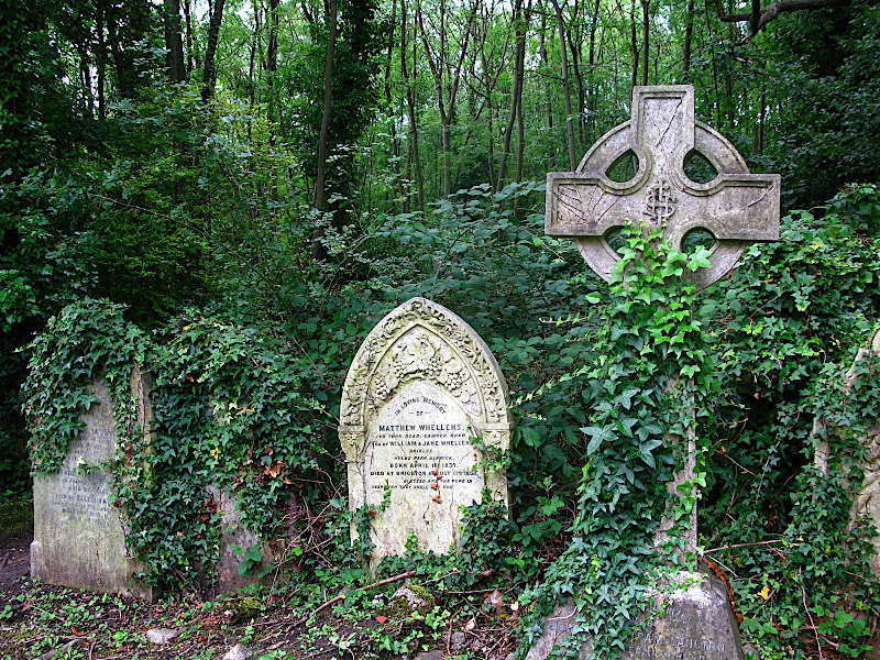 Highgate Cemetery (III)