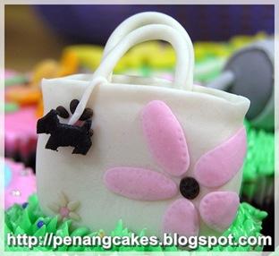 PenangCakes__Evadis_Cupcakes-Radley_Handbags