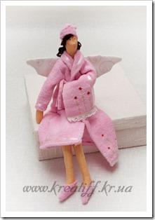кукла в банном халате