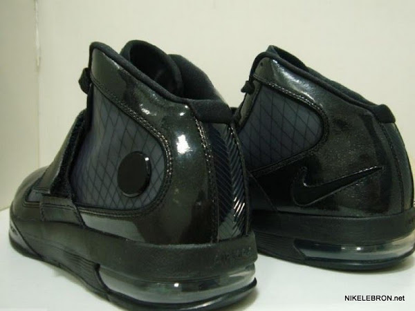 Nike Zoom Soldier IV No Logo Wear Test Sample Featuring Flywire