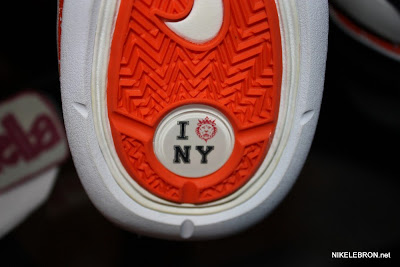 nike air max lebron 7 low gr white royal orange 3 04 Nike Air Max LeBron VII Low   Rumor Pack   I Love NY is Real!