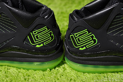 lebron7 black dunkman 85 web Air Max LeBron VII Black/Electric Green aka Dunkman Showcase