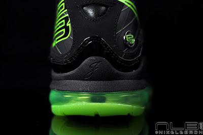 lebron7 black dunkman 95 web Air Max LeBron VII Black/Electric Green aka Dunkman Showcase