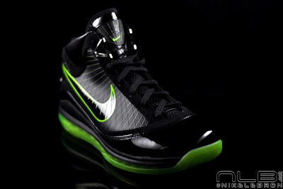 lebron7 black dunkman 72 web Air Max LeBron VII Black/Electric Green aka Dunkman Showcase