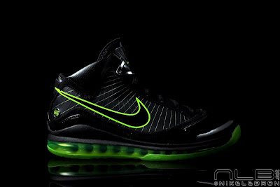 lebron7 black dunkman 96 web Air Max LeBron VII Black/Electric Green aka Dunkman Showcase