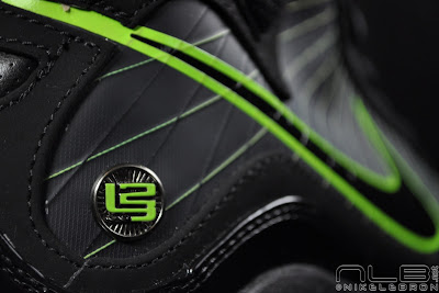 lebron7 black dunkman 64 web Air Max LeBron VII Black/Electric Green aka Dunkman Showcase