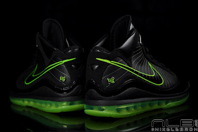 lebron7 black dunkman 90 web Air Max LeBron VII Black/Electric Green aka Dunkman Showcase