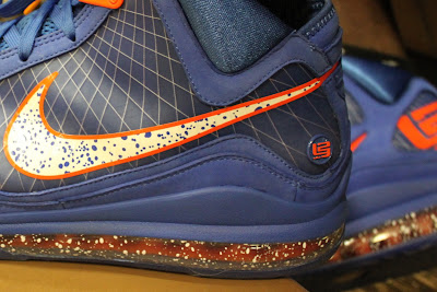nike air max lebron 7 pe hardwood royal 1 02 Yet Another Hardwood Classic / New York Knicks Nike LeBron VII