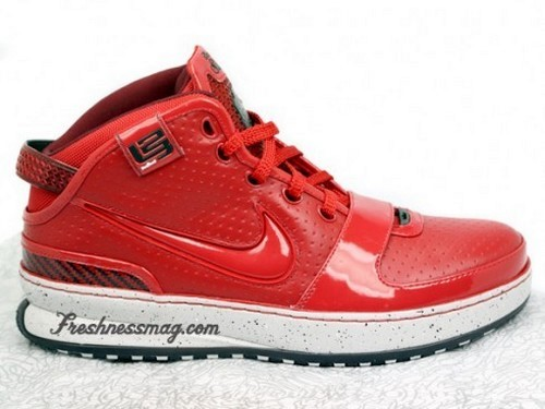 Detailed Look at the New York Nike LeBron 6 8220Big Apple8221
