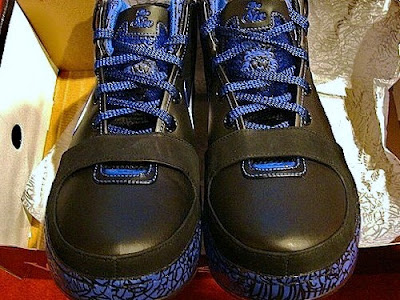 nike zoom lebron 6 gr black blue maize 1 05 Upcoming Black White Royal Maize Nike Zoom LeBron VI