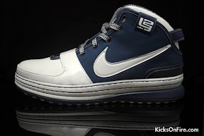 nike zoom lebron 6 gr white navy black 5 05 General Release Zoom LeBron VIs   Black   Navy   New Photos