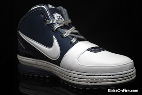 nike zoom lebron 6 gr white navy black 5 10 General Release Zoom LeBron VIs   Black   Navy   New Photos