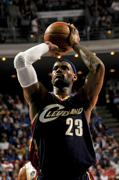 LeBron Having a Record Breaking Month Cavs Still on a Roll