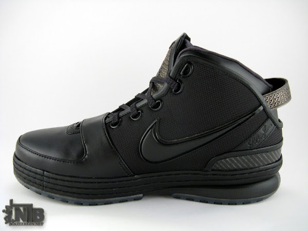 8220Triple Black8221 Nike Zoom LeBron VI in High Definition