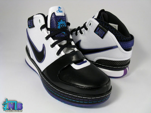 LeBron James and his Summit Lake Hornets Basketball Team Exclusive Photos