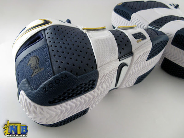 Looking Back at Nike Zoom 2055 With the 2006 Playoff PE