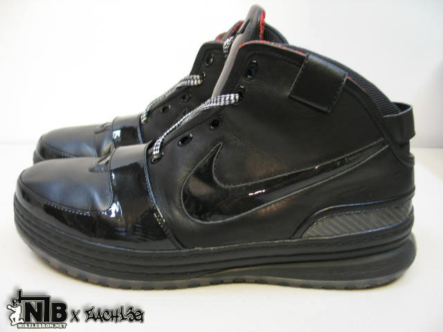 Nike Zoom LeBron VI Triple Black Wear Test Sample – NO LOGO  7771c4c12