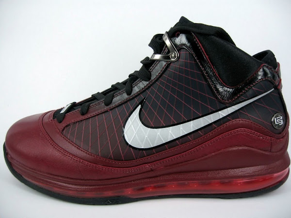 Final Preview of the Christmas Air Max LeBron VII 20 Mark Up