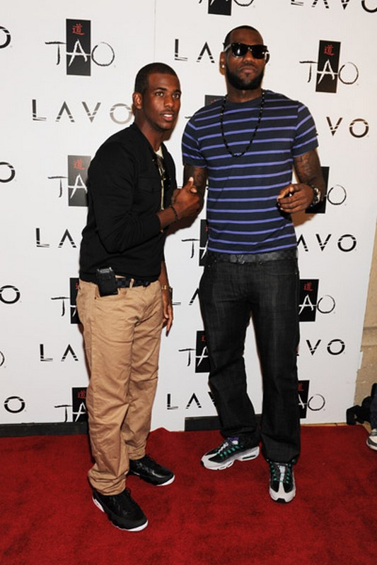 King8217s Feet LeBron Chilling with CP3 Wearing Grape Air Max 958217s