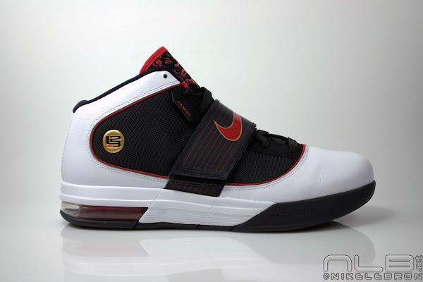 LeBron8217s Nike Zoom Soldier IV 4 Black White Red Showcase