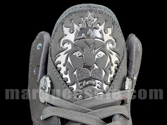 Detailed Look at the Triple Black Nike Air Max LeBron VIII 8