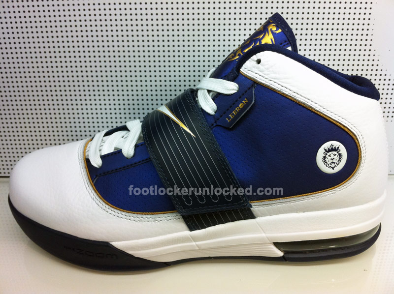 1035873c4616 Detailed Look at the Nike Zoom LeBron Soldier IV Akron University ...