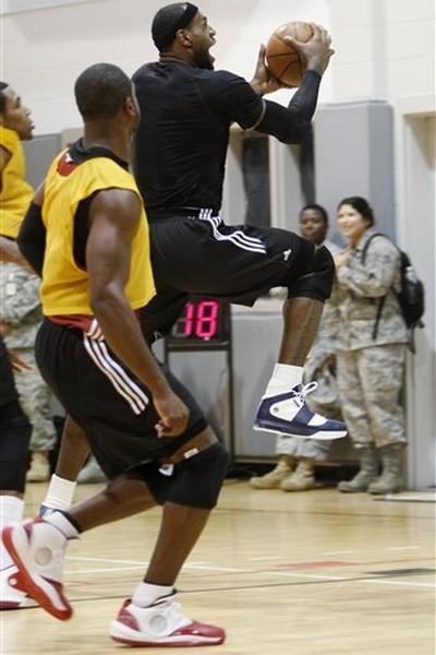 Miami Heat Team Practice LeBron James amp Nike Zoom Soldier IV