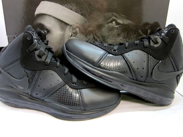 Closer Look at Nike LeBron 8 417098001 BlackBlackAnthracite